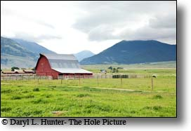 Red Barn, paradise valley montana